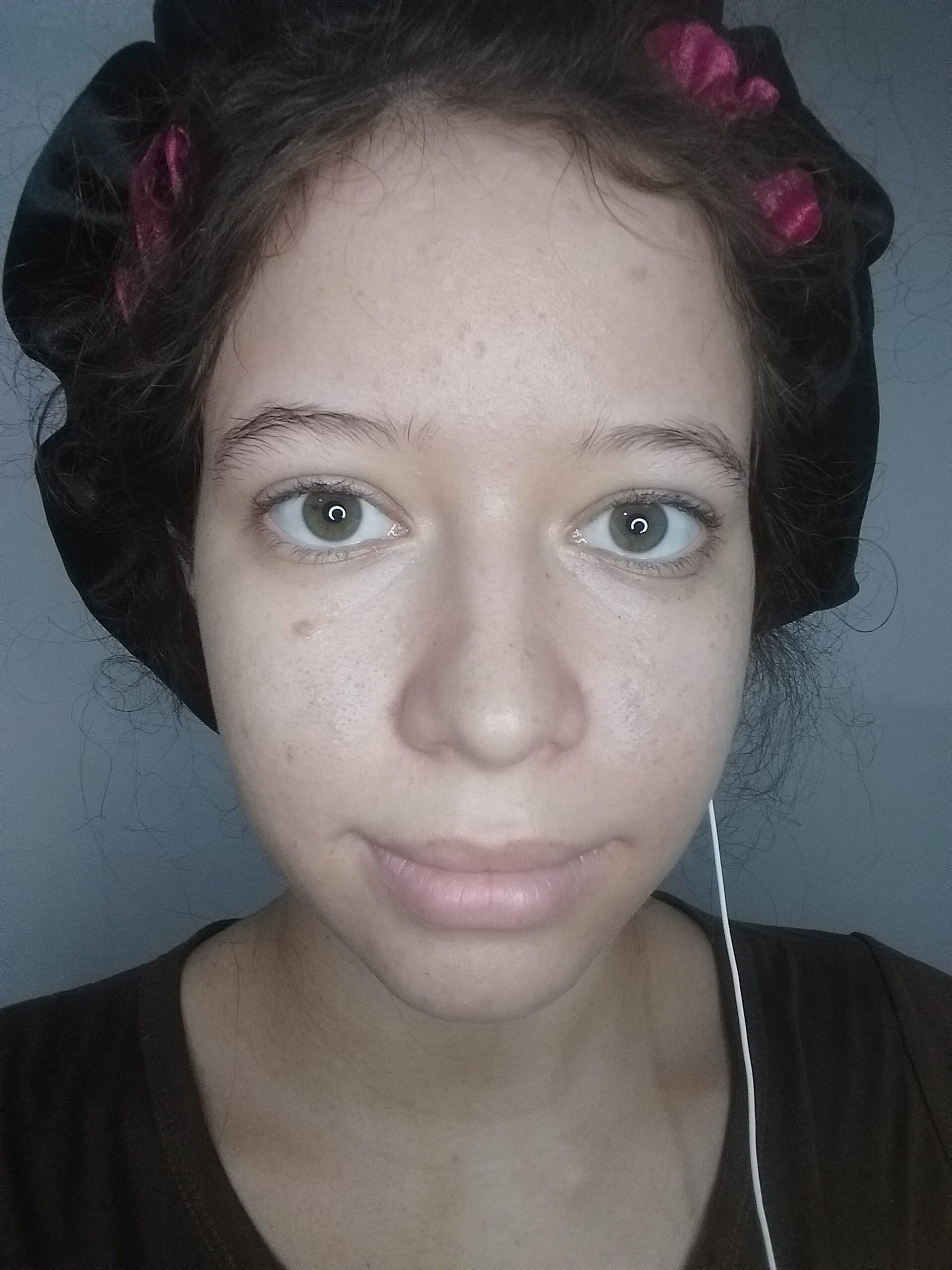 Parei de usar Minoxidil 5% nas sobrancelhas e agora? Os pelos cairam de novo?